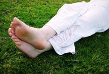 transpirer des pieds, truc transpiration pieds,