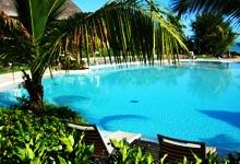 aménagement piscine, idée aménagement piscine creusée,