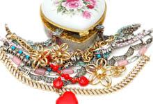 nettoyer les bijoux, laver les bijoux, truc nettoyage bijoux,