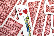 tour de magie avec cartes, cartes à jouer magie, tour de cartes,